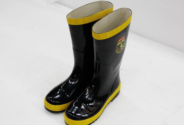 97式战斗服保护靴