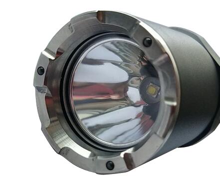 新标准手电筒强光手电筒单警手电筒警用手电筒战术型